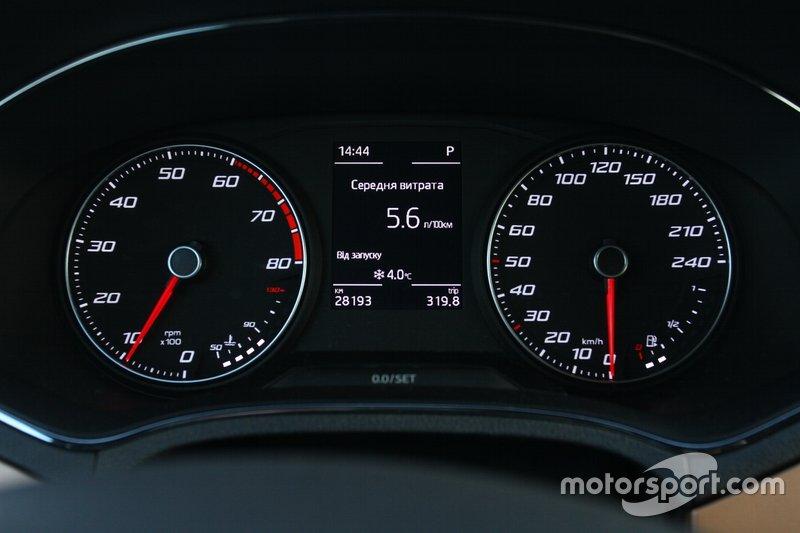 При спокійному стилі керування, досить легко вкладатися у заводські показники витрати палива.