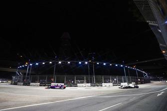 Brendon Hartley, Toro Rosso STR13, leads Sergey Sirotkin, Williams FW41