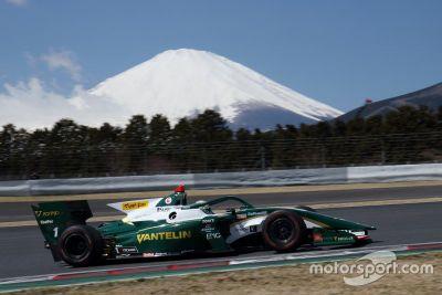 Testy na torze Fuji