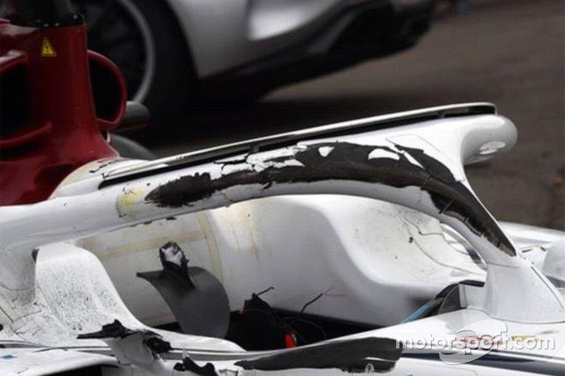 Наслідки аварії на боліді Sauber Шарля Леклера - місце контакту колеса з Halo