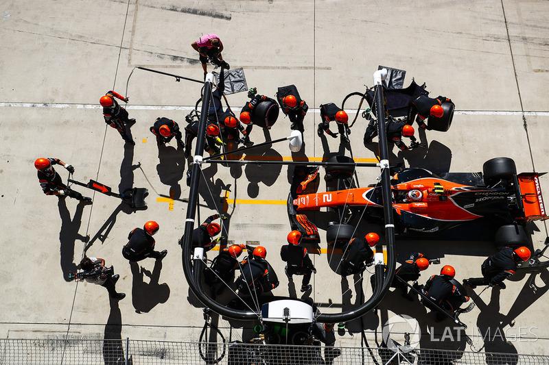 Enésimo problema con el MGU-H y abandono de Alonso