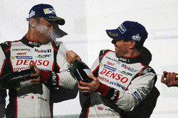 Podium: race winners Sébastien Buemi, Anthony Davidson, Toyota Gazoo Racing