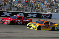 Ryan Newman, Richard Childress Racing Chevrolet, Chris Buescher, JTG Daugherty Racing Chevrolet