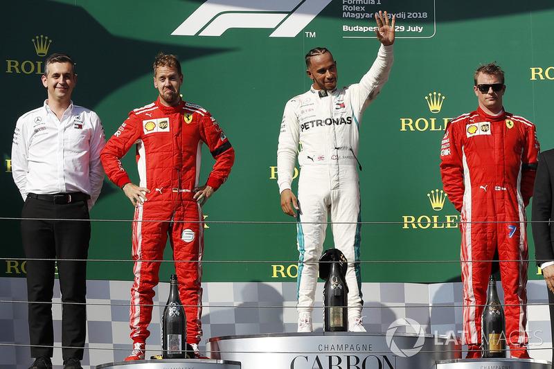 Переможець Льюіс Хемілтон, Mercedes AMG F1, другий Себастьян Феттель, Ferrari, третій Кімі Райкконен, Ferrari