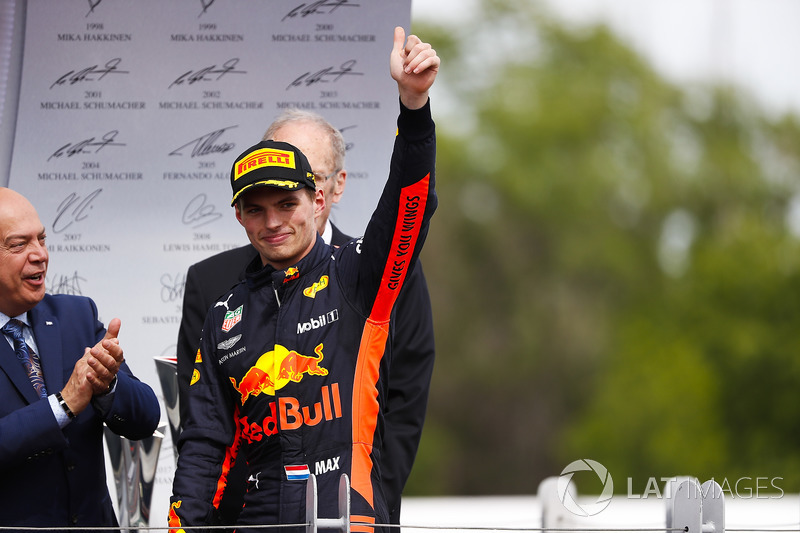Max Verstappen, Red Bull Racing ,tercero, llega al podio