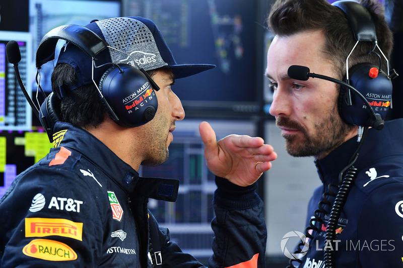 Daniel Ricciardo, Red Bull Racing and Simon Rennie, Red Bull Racing Race Engineer