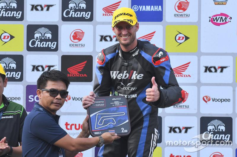 Podium SS600: Posisi kedua Anthony West, Webike IKAZUCHI Racing