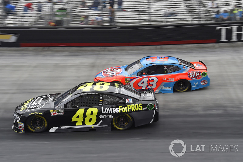 Jimmie Johnson, Hendrick Motorsports, Chevrolet Camaro Lowe's for Pros, Darrell Wallace Jr., Richard Petty Motorsports, Chevrolet STP