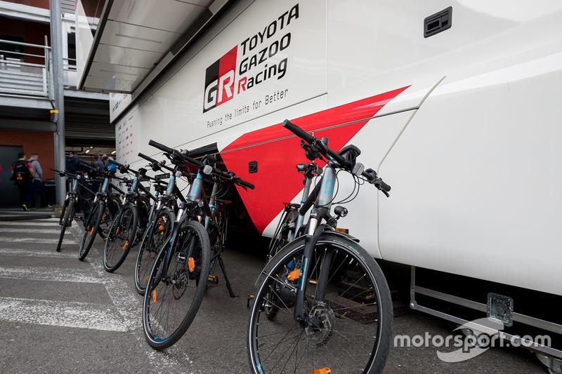 دراجات تابعة لفريق تويوتا ريسينغ