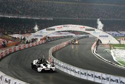 Jenson Button, Team GB gareggia contro Emanuele Pirro, Team Monaco in KTM X-Bows