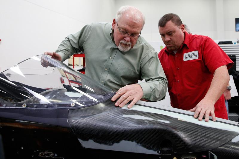 Jeff Horton, director de seguridad e ingenieros de la IndyCar