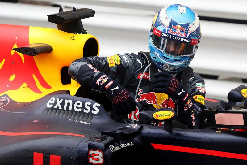 Daniel Ricciardo, Red Bull Racing, im Parc Fermé