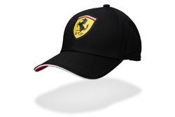 Gorra Ferrari negra
