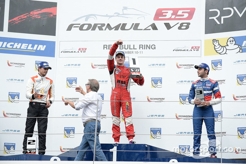 Podium: race winner Aurelien Panis, Arden Motorsport, second place Tom Dillmann, AVF, third place Ma