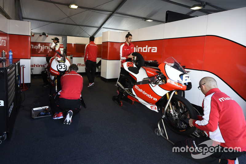 Mahindra garage
