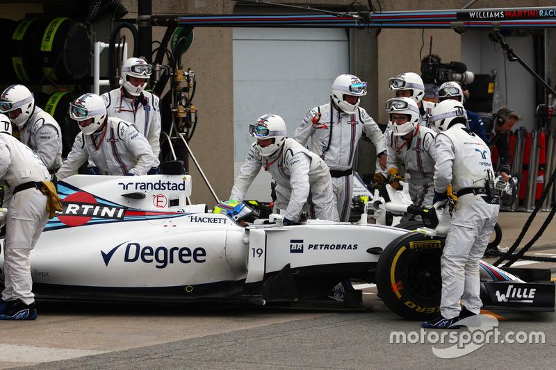 Феліпе Масса, Williams FW38, сходить з гонки