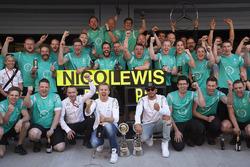 Winnaar Nico Rosberg, Mercedes AMG F1 Team en tweede Lewis Hamilton, Mercedes AMG F1 Team vieren met