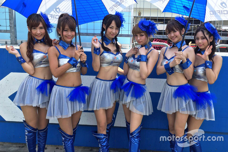 Lovely Pacific Racing girls