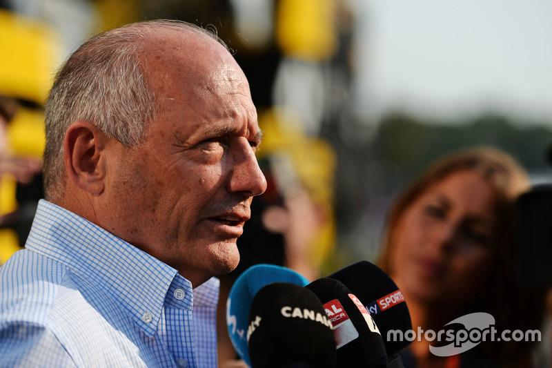 Ron Dennis, McLaren Executive Chairman with the media