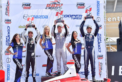 Podium: ganador, Felix Rosenqvist, Belardi Auto Racing, segundo, André Negrao, Schmidt Peterson Moto