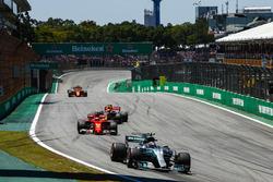 Valtteri Bottas, Mercedes AMG F1 W08, Kimi Raikkonen, Ferrari SF70H, Max Verstappen, Red Bull Racing RB13, Fernando Alonso, McLaren MCL32