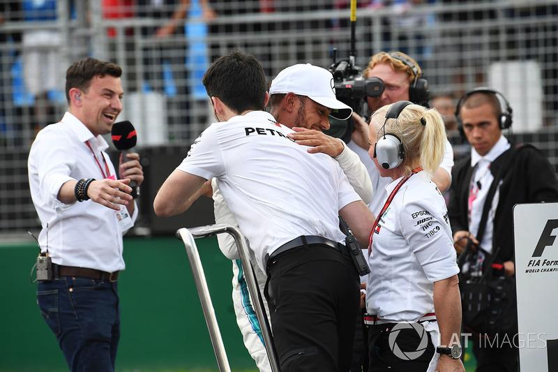 Володар поулу Льюіс Хемілтон, Mercedes-AMG F1, Вілл Бакстон