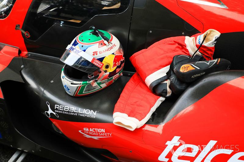 Helmet of Memo Rojas