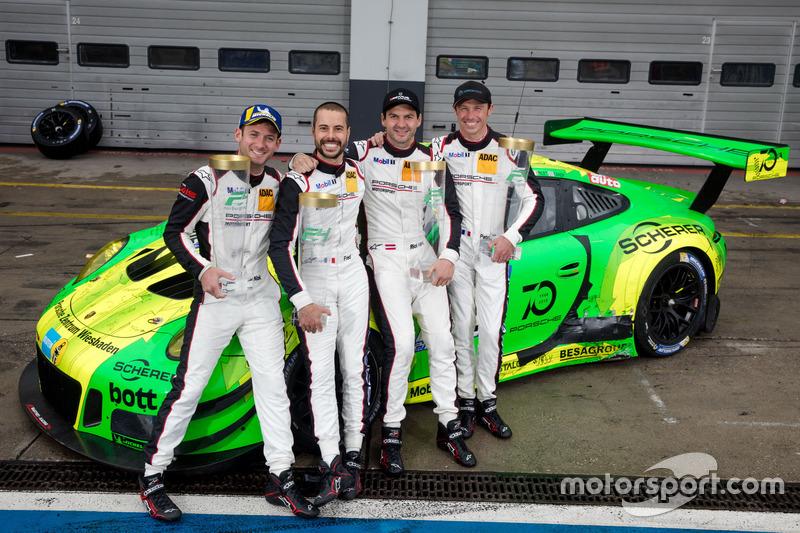 «24 часа Нюрбургринга»: Рихард Лиц, Патрик Пиле, Фредерик Маковецки, Ник Тэнди, Manthey Racing, Porsche 911 GT3 R
