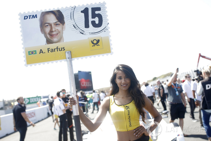La grid girl di Augusto Farfus, BMW Team RMG