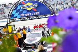 Yarış galibi Kevin Harvick, Stewart-Haas Racing, Ford