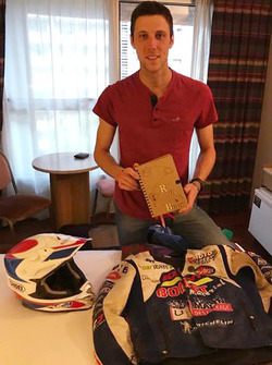 Romain Leloup holds his road book