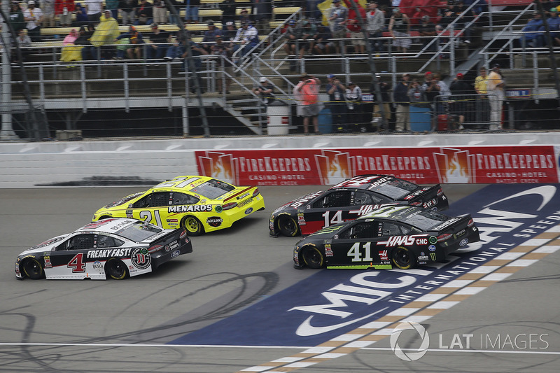 Kevin Harvick, Stewart-Haas Racing, Ford Fusion Jimmy John's Paul Menard, Wood Brothers Racing, Ford Fusion Menards / Jack Links Clint Bowyer, Stewart-Haas Racing, Chevrolet Camaro Haas 30 Years of the VF1 Kurt Busch, Stewart-Haas Racing, Ford Fusion Monster Energy / Haas Automation