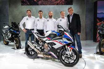 Marc Bongers, directeur de BMW Motorrad Motorsport, Markus Reiterberger, Tom Sykes, Shaun Muir, Team prinicpal, Dr. Markus Schramm, chef de BMW Motorrad