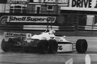 Keke Rosberg, 6 ruedas Williams FW08B