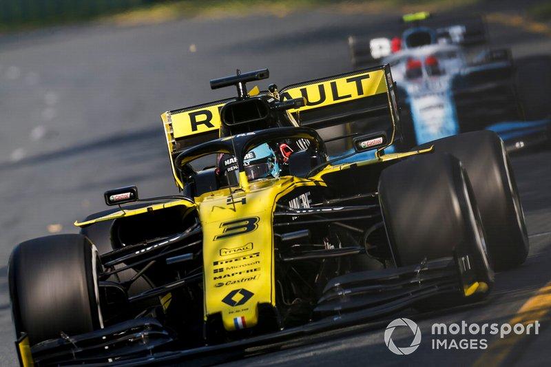 Daniel Ricciardo, Renault R.S.19, Robert Kubica, Williams FW42