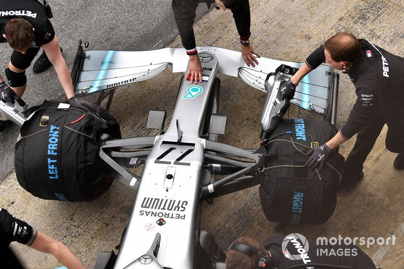 Mercedes-AMG F1 W10, morro y alerón delantero