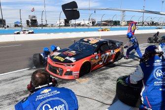 Chris Buescher, JTG Daugherty Racing, Chevrolet Camaro Kroger Flavor Fill Up, makes a pit stop