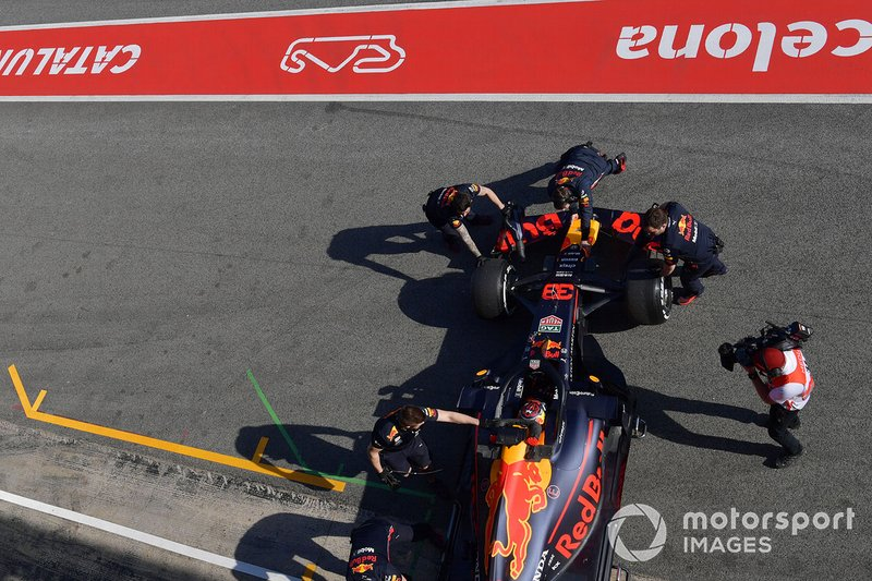 Meccanici Red Bull Racing e Max Verstappen, Red Bull Racing RB15