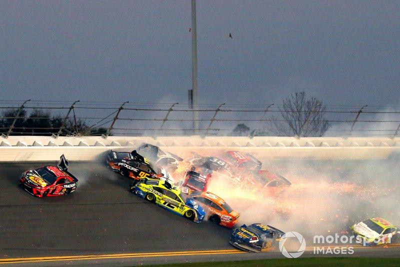 Big One: Massencrash beim Daytona 500 des Jahres 2019