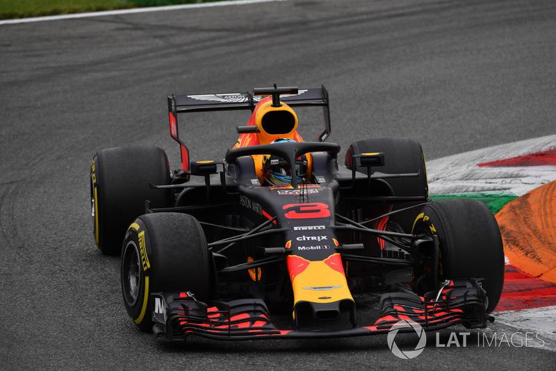 Ricciardo valt uit