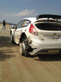 La foratura alla posteriore sinistra sulla Ford Fiesta R5 di Nasser Al-Attiyah