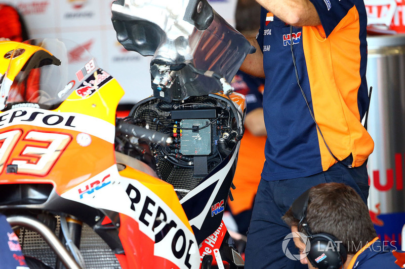 Marc Márquez'in motosikletindeki yoğun çalışma