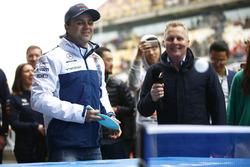 Felipe Massa, Williams, spielt Tischtennis