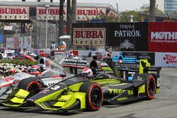 Charlie Kimball, Chip Ganassi Racing, Honda; Will Power, Team Penske, Chevrolet