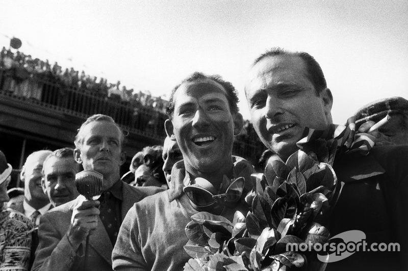 Race winner Stirling Moss, Mercedes-Benz W196; second place Juan Manuel Fangio, Mercedes-Benz W196