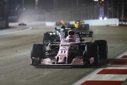 Sergio Perez, Sahara Force India F1 VJM10, Valtteri Bottas, Mercedes AMG F1 W08