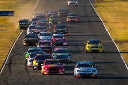 Start: Craig Lowndes, Triple Eight Race Engineering Holden leads