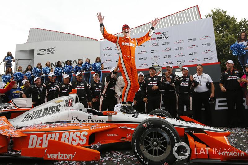 3. Winner Josef Newgarden, Team Penske Chevrolet