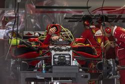 Ferrari SF70H im the garage