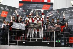 Yarış galibi #88 AKKA ASP Mercedes AMG GT3: Felix Serralles, Daniel Juncadella, Tristan Vautier